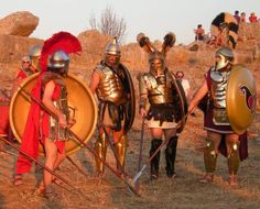 Reenactors preparing for a recreation of the Battle of Plataea, September 2013 Medieval Armor, Medieval Fantasy, Battle Of Plataea, Greco Persian Wars, Greek Soldier, Rome Antique, Greek Warrior, Mycenaean, Classical Period