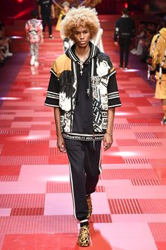 Dolce & Gabbana Spring 2018 Menswear collection.