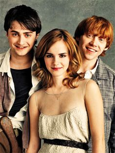 I <3 the Harry Potter movie series! harry actually looks some what attractive!