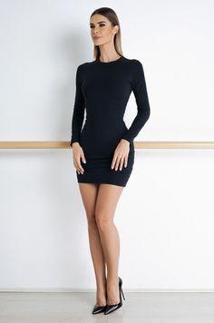 Jednoduché šaty z kolekcie Soft and Shape, s dlhým rukávom, bez výstrihu. Šaty…