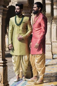 Buy Samyakk Pink Soli Silk Indo Western Sherwani online in India at best price. Mens Indian Wear, Mens Ethnic Wear, Indian Groom Wear, Indian Men Fashion, Men's Fashion, Groom Outfit, Groom Dress, Men Dress, Wedding Dresses Men Indian
