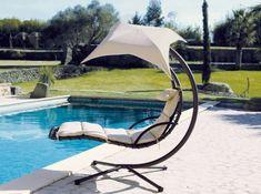 Inspirational h ngesessel mit gestell am schwimmbad wei e sonnenschirm