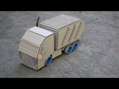 How to make a Garbage truck out of Cardboard Diy Plastic Bottle, Cardboard Toys, Garbage Truck, Popsicle Sticks, Kids Toys, Crafts For Kids, Recycling, Diy Projects, Trucks