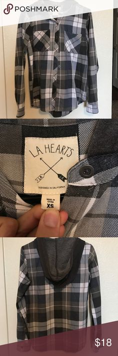 LA hearts flannel White, gray, and navy flannel. LA hearts. Size extra small fits over sizes. Make offer 💕 LA Hearts Tops Button Down Shirts