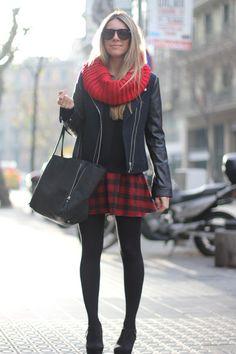 http://mesvoyagesaparis.com/wp-content/uploads/sites/5/2013/12/red-tartan-skirt-3.jpg