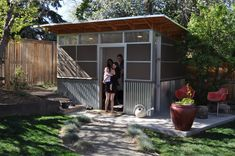 A backyard backyard studio is usually a shed or granny flat you put to good purpose by building or renovating it to serve as a studio. A backyard studio can be a better solution than converting a spare bedroom or… Continue Reading → Shed Office, Backyard Office, Backyard Studio, Backyard Sheds, Garden Studio, Backyard Retreat, Garden Office, Backyard Pools, Porches