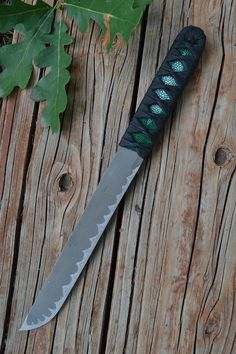 Okay. I've said it before and I will say it again. Titanium is NOT for knife blades. It holds a shit edge.