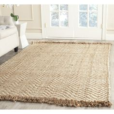 Safavieh Natural Fiber Collection Hand Woven Bleach and Natural Jute Area Rug
