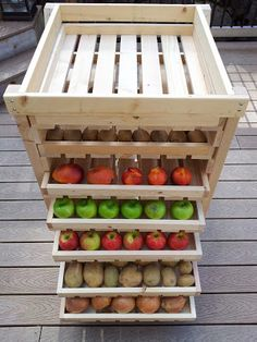 Easy Homesteading: Food Storage Shelf Plans.  Love this idea for storing potatoes, onions, tomatoes, apples, etc....!