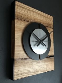 Quality solid Ash timber with a stylish satin chrome front disk placed in front of a powder coated split matte black disk.
