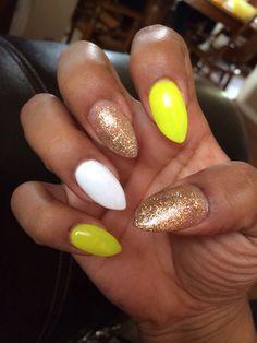 Pointy nails. Stilettos. Gold. White. Neon green. New claws.