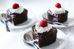Worth Pinning: Chocolate Heart Pudding Cups
