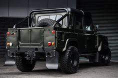 Project Kahn Land Rover Defender