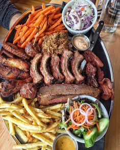 Top 10 Tips For Getting Children To Eat Healthy Food - Healthy Living Land Meat Platter, Food Platters, I Love Food, Good Food, Yummy Food, Tasty, Food Porn, Food Goals, Aesthetic Food