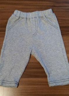 Kaufe meinen Artikel bei #Mamikreisel http://www.mamikreisel.de/kleidung-fur-jungs/hosen-hosen/28114450-susse-graue-hose-jogging-aus-baumwolle-von-rene-rofe-in-grosse-56