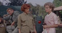 The Parent Trap David Swift, Hayley Mills, Maureen O'Hara, Brian Keith Joanna Barnes, Parent Trap Movie, Movie Stars, Movie Tv, Brian Keith, Maureen O'hara, Childhood Movies, Old Disney, Star Pictures