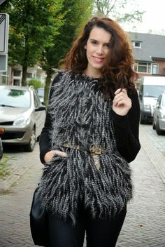 Curls and Bags by Nathalie Van den Berg: Outfit: Fashion Union faux fur jacket