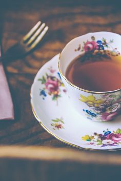 Abby Ingwersen   Lace & Lilacs » tuesday tea & poetry