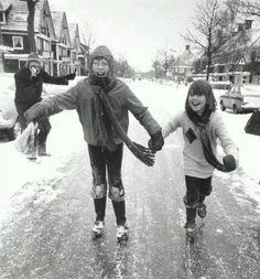 Schaatsen op straat in Groningen in 1979
