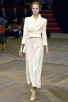 Alexander McQueen Spring 2007 Ready-to-Wear Fashion Show - Freja Beha Erichsen