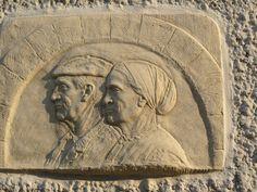 Hier, les maîtres et maîtresses de Maison de jadis = symboles des pouvoirs qui régissaient la société basque autrefois