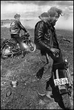 """Danny Lyon - From """"The Bikeriders"""", Zipco, Elkhorn, Wisconsin 1965 - Cerca con Google"""