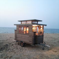 木製キャンピングトレーラ (Tiny House Japan) ーThe Basket