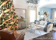 beautiful Christmas decor (and home design)