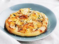 Pizza med taleggio, potatis och tryffelhonung.