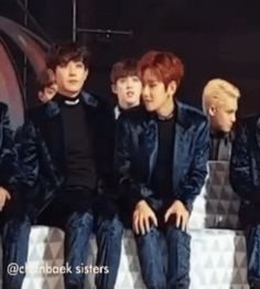 Chanyeol putting his hand under Baekhyun's ass 2/2