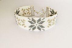Beaded christmas bracelet - friendship bracelet, cuff bracelet, bead loom bracelet