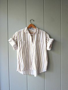 Oversized White Beige Striped TShirt Cotton Button Up Minimal Casual Short Sleeve Shirt Hipster Vintage Preppy Beach Shirt Womens Medium Short Sleeve Button Up, Button Up Shirts, Vintage Tops, Vintage Style, Fall Fashion, Fashion Outfits, 80s Outfit, Beach Shirts, Time Capsule