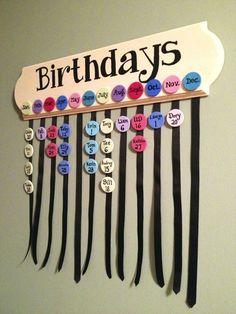 DIY: Family Birthdays Sign (Part – Handwerk und Basteln Family Birthday Board, Birthday Dates, Classroom Birthday Board, Diy Birthday Reminder Board, Classroom Birthday Displays, Preschool Birthday Board, Diy Birthday Sign, Birthday Gifts, Birthday Calendar Craft