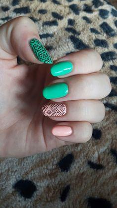 Semilac: bright emerald, sleeping beauty