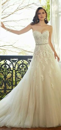 Autumn leaves style lace wedding dress