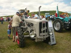 Antique Tractors, Old Tractors, Monster Trucks, Vehicles, Tractors, Rolling Stock, Vehicle, Vintage Tractors, Tools