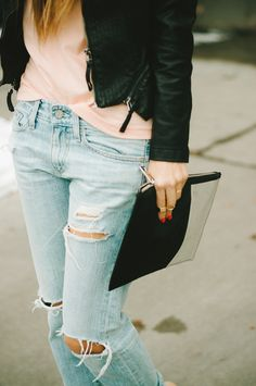 leather jacker/pink t/boyfriend jeans