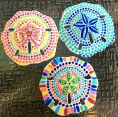 Get inspired with 20 painted sea shell crafts and shell designs. It's easy to decorate your favorite shells and turn them into beautiful shell art. Seashell Painting, Seashell Art, Seashell Crafts, Dot Painting, Stone Painting, Painting On Shells, Mandala Painting, Beach Themed Crafts, Beach Crafts