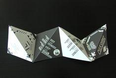 Strebel Juon kreierte einen Gesamtauftritt, welcher u.a. auch ungewöhnliche Visitenkarten in Form von Hängeetiketten, eine besondere Barkarte sowie dreieckig gefaltete Leporellos für das DJ-Monatsprogramm umfasste.