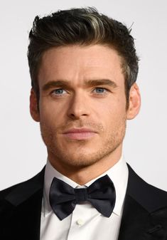 Richard Madden Photos - Richard Madden attends the World Premiere and Royal Performance at the Odeon Luxe Leicester Square on December 2019 in London, England. - World Premiere And Royal Performance - Red Carpet Arrivals Leicester Square, Richard Madden, Raining Men, Couple Aesthetic, Hot Guys, Actors, Hollywood, Black And White, Celebrities