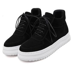Black Plush Leather Lace Up Flatform Sneakers (160 BRL) ❤ liked on Polyvore featuring shoes, sneakers, black flatform shoes, black trainers, kohl shoes, black shoes and black flatforms