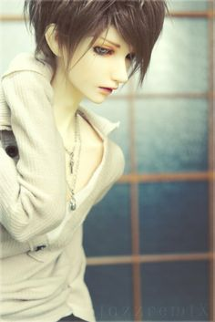 Male BJD with a great look.