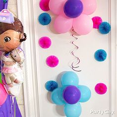 Doc McStuffins party ideas offer food and drink recipes, decoration ideas, and kid-friendly activities for the perfect birthday bash. Doc Mcstuffins Birthday Party, 4th Birthday Parties, Baby Girl Birthday, 2nd Birthday, Birthday Ideas, Balloon Flowers, Party Time, Boo Boos, Walls