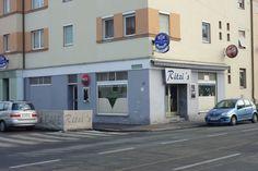 Filiale Nr. 57, Alte Poststraße 131/Ecke Daungasse: schön erkennbar noch die alte, typische Eingangstüre mit dem charakterischen Griff