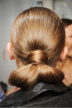 carolina herrera, I love wearing my hair like this!