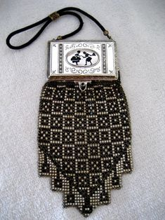 Rare Whiting & Davis Compact Mesh Enameled Purse. 1920