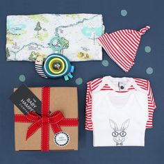 HAMPER REFRESH // Rework of an original 🎁This is our 'Not Your Standard Baby Hamper' and is filled with beautiful award-winning gender-neutral products #newbabygiftsuk #newmumgift #babygiftideas #babygift #babygifts #babygiftideas #babygiftidea #babygiftbox #babygiftshop #babygiftbasket #babygifthamper #babygifting #babygifthampers #babygiftsideas #babygiftbaskets #babygiftboxes #babygiftset #babyhampers #babyhamper #babyhampersbox #babyhamperset #babyhampergift Hampers Uk, Baby Gift Hampers, Baby Hamper, Baby Gift Box, Unisex Baby Gifts, Newborn Baby Gifts, Baby Boy Gifts, Baby Shower Presents, Baby Presents