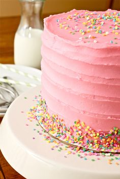 Pink Vanilla Bean Birthday Cake >> this is just too pretty!