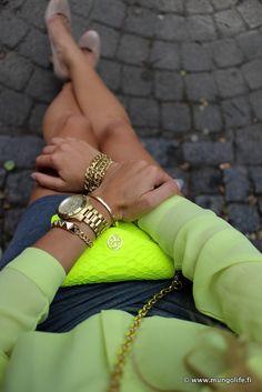 Neon green with grey. #lovingit