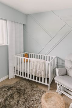 Love this gender neutral nursery before and after- the geometric moulding wall is such a fun addition to this relaxing space! Moulding Wall, Winnie The Pooh Decor, One Coat Paint, Decorating Your Home, Diy Home Decor, Kid Friendly Backyard, Nursery Neutral, White Nursery, Modern Kids Bedroom